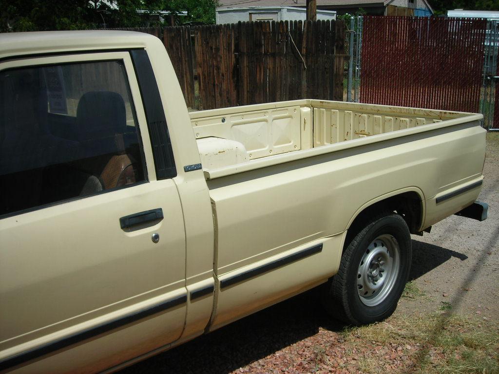 1986 toyota hilux pickup truck for sale. Black Bedroom Furniture Sets. Home Design Ideas